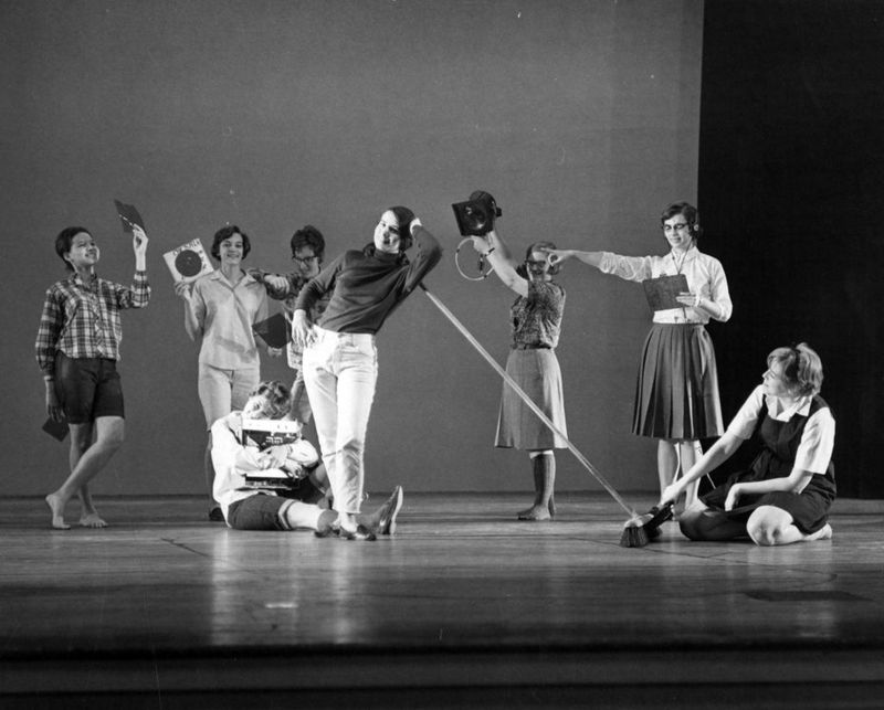 Group performance with props